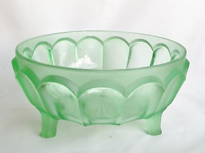 Green Glass Fruit Bowl - Vintage ART DECO
