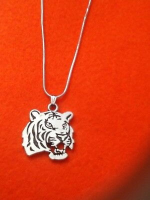 10pc Tibetan Silver Charms Tiger Head Pendant Beads Jewellery Accessories  GP104
