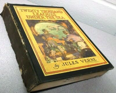 """""""TWENTY THOUSAND LEAGUES UNDER THE SEA"""" BY Jules Verne Illustrated by WJ Aylward"""
