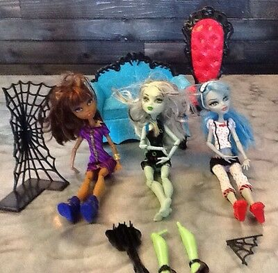 Monster High Dolls  Dressed Two With Shoes And Furniture