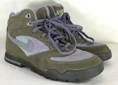 7334a6d6bbc9 Vintage 90s NIKE Caldera Hiking Boots Shoes Made In Korea Women s 7 Brown  Purple