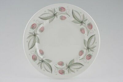 Susie Cooper - Wild Strawberry - Plain Edge - Starter / Salad Plate - 88739G