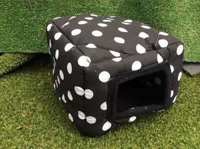 Black with white spots sqube