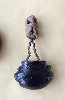 19th cent Chinese antique wooden monkey toggle with a black lacquer pouch