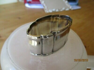 Unusual Napkin Ring, Fluted Oval Shape, Maker LW
