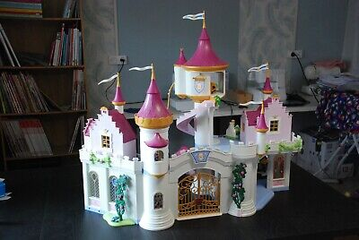 LOT PLAYMOBIL PRINCESSE chateau caleche personnages + beaucoup de ...