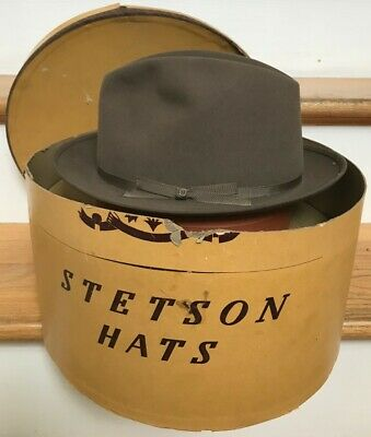 dc7f686b54d7a Vintage Stetson Playboy II Fedora Hat Mens Size 7 1 8 Brown New Old Stock