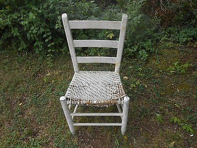 Antique  Cottage Farmhouse Woven Seat Ladder Chair