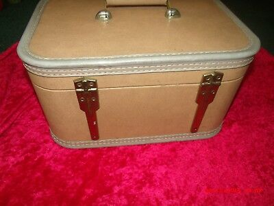 JC Higgins  Carry On Luggage Suitcase Makeup Tan Brown With Mirror