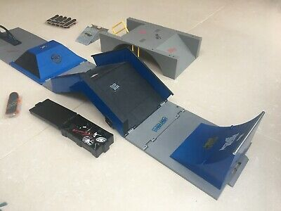Tech Deck Skate and Go Mini Replica Skate Park /& Flick trix bike playset New