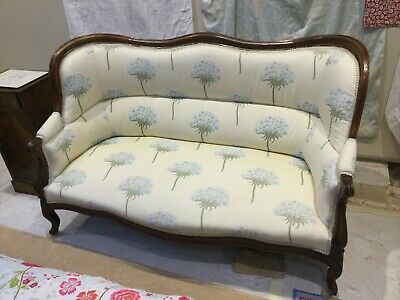 Antique wood carved Victorian/Edwardian settee sofa curved back