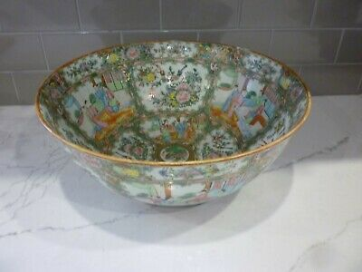 Chinese Export Rose Meadllion Punch Bowl 19Thc