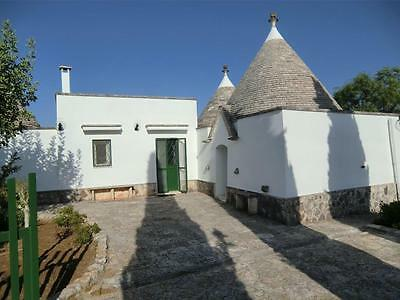 Last minute Holiday Villas Trulli Puglia Italy near Alberobello Self catering