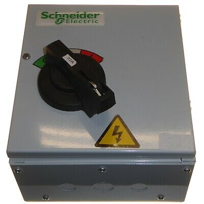 Schneider SD323SW 32 Amp Switch Disconnector Triple Pole No Fuse Isolator New