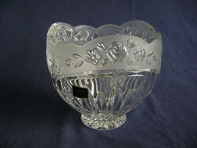 Oneida German Lead Crystal Large Candy, Treasure, Console Bowl.