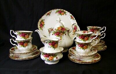 Royal Albert Old Country Roses - 22 Piece Tea Set - Made in England
