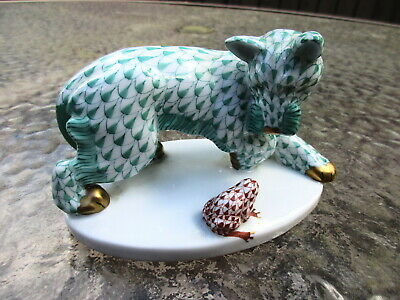 HEREND Scotty Dog and frog Fishnet Figurine 5323