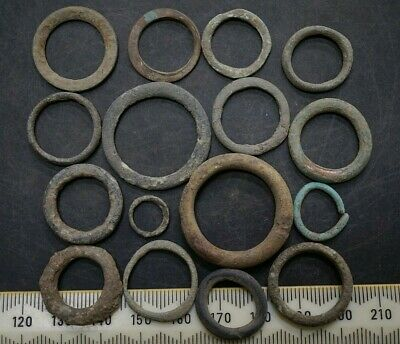 Ancient Celtic Wallet of 16 Proto coins. Group of 16 Ring Money, c 150-50 Bc.
