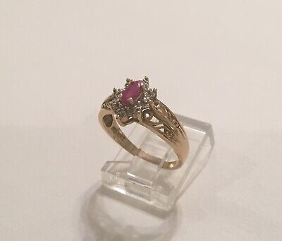 Vintage Antique 10K Yellow Gold Cluster Red Ruby & Diamond Ring