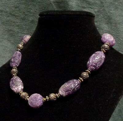 CINA (China): Old and fine Chinese necklace made in silver and carved amethyst
