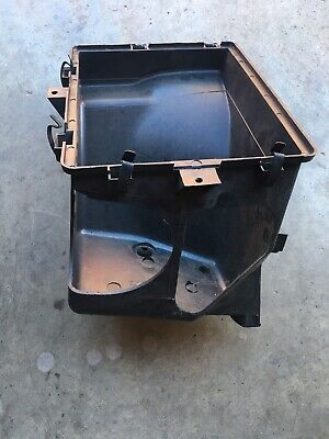 VT COMMODORE SS clubsport V8 5 LITRE SS AIR BOX LOWER GM  HOLDEN COMMODORE
