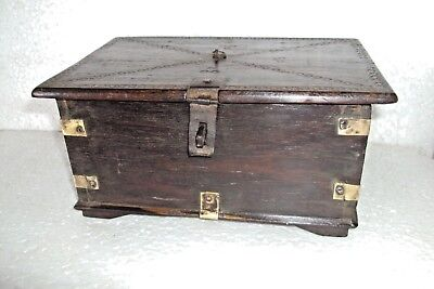 Vintage Indian Wooden Box Hand Crafted Beautiful Vanity Box 002