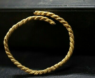 Ancient Viking Solid GOLD Finger Wire Ring depicting Eternity Loop, 950-1000 Ad.