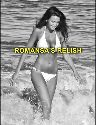 Michelle Keegan 10 X 8 Photograph + Free 6 X 4 Pocket Book Size Photo  R95