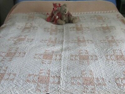 """Exceptional Antique Yellow + White Geese in Flight Quilt 78X76"""""""