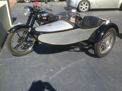 Motorbike Bsa 500 Twin 1949 With Dusting Sidecar