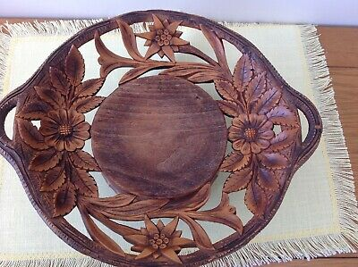 Vintage German musical carved wooden fruit bowl, plays O mein papa and limelight