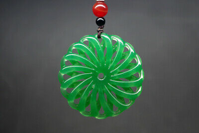 Exquisite Chinese natural green jade hand-carved beautiful hollow pendant