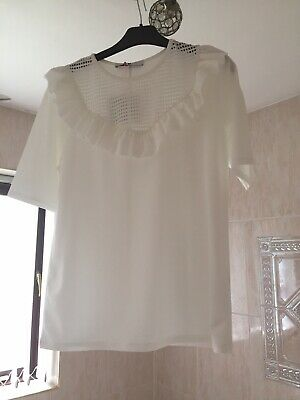V by very top 12 cream frill Front Short sleeve top