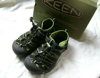 7f3c332f35ed Keen Newport H2 Closed Toe Sport Sandals ~ Boys Youth Size 13 ~ Waterproof  Black