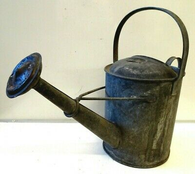 Vintage 1½ Gallon Galvanised Garden Watering Can with Rose (b)