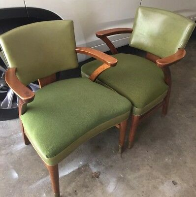 Pair Vintage Gunlocke Mid Century Modern MCM Avacado Green Leather Arm Chairs