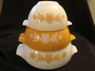 Vintage 1970's Butterfly Gold Cinderella PYREX Nesting Mixing Bowls Set of 3