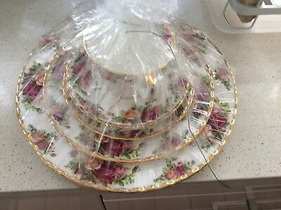 Royal Albert Old Country Roses 5 Place Setting