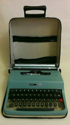OLIVETTI LETTERA 32 1960's TYPEWRITER IN BLUE WITH BLUE CARRY CASE
