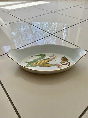 Large oval Royal Worcester Evesham Gold oven to table serving dish