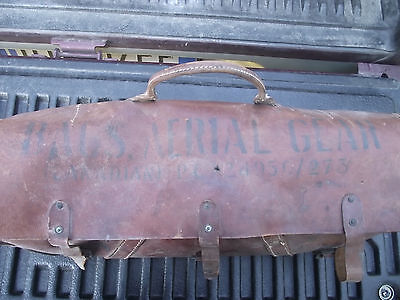 Canadian Military Leather Bag Vehicle Wireless Original W.w.2. -Chevrolet C8A