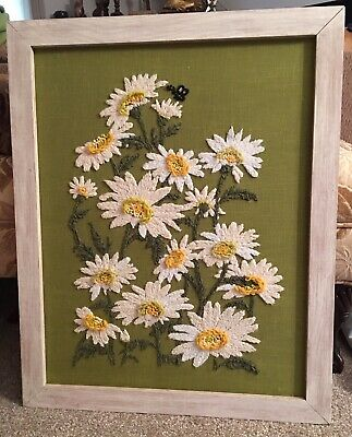 Vintage Large Crewel Art Wall Hanging White Daises Bee Green White Wood Frame