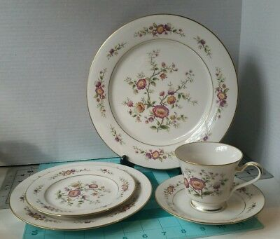 "30.6) Noritake #7151 ""Asian Song"" set of 5 Ivory  China with Gold Trim"