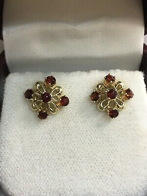 14k Yellow Gold Garnet Flowers Earrings