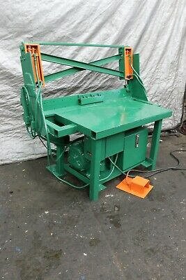 """60"""" Hydraulic Tension Stand: Yoder #69802"""
