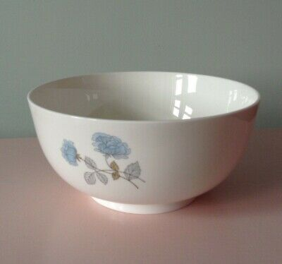 WEDGWOOD ICE ROSE Bone China Salad Bowl Large Bowl - Excellent Condition