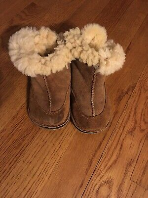 dcb76a04863 UGG BABY BOO Brown Infant Suede Sheepskin Toddler Boot Size M 4/5 ...