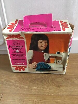 Singer Golden Panoramic Sewing Machine Battery Childs Working Toy Vintage 1960s