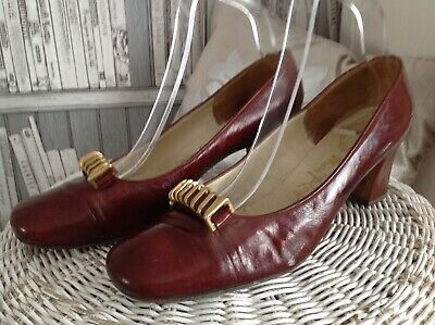 Miss Rayne Size 6.5. Ladies Brown Leather Vintage Court shoes. 1960's. Revival .