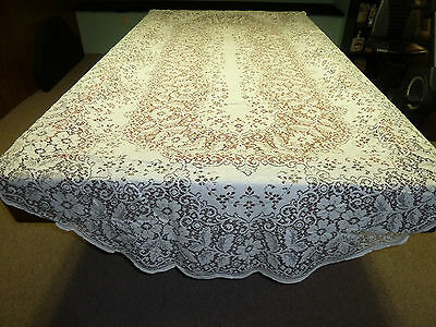 70''X126'' Lace Banquet Tablecloth White In Color    Huge Oval